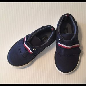 Tommy Hilfiger Toddler Navy Sneakers Size 6
